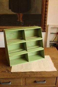 Rotto♪アンティーク古いペンキの3段棚 陳列棚什器コンテナ木箱_画像3