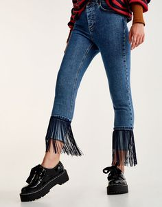 Three ideas to customize the bottoms of your jeans - Ani Otero - - Tres ideas para customizar los bajos de tus vaqueros Jeans // fringe details - Stretch Cotton Culotte Pants - Black - Cropped Trousers Diy Jeans, Denim Fashion, Fashion Outfits, Womens Fashion, Fashion Trends, Fashion Boots, Fashion 2018, Fashion Fall, Mode Jeans