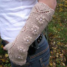 Knit fingerless gloves with lace pattern, long wool arm warmers / wrist warmers in light brown Fingerless Gloves Knitted, Knit Mittens, Wrist Warmers, Hand Warmers, Lace Patterns, Knitting Patterns, Knitting Ideas, Knitting Projects, Crochet Patterns