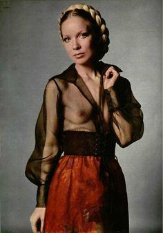 >Yves Saint Laurent S/S 1970 ensemble. Fashion Images, 70s Fashion, Fashion History, Vintage Fashion, Yves Saint Laurent, Vintage Ysl, Mode Vintage, Vintage Style, Rive Gauche