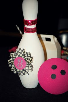 Simply Creative Insanity: Sparkly and Girly Bowling Party Kids Bowling Party, Bowling Pin Crafts, Bowling Party Favors, Bowling Pins, 50th Party, 6th Birthday Parties, 8th Birthday, Birthday Stuff, Birthday Ideas