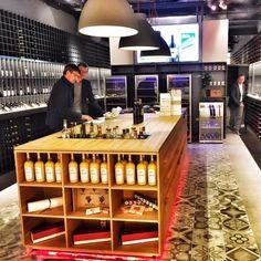 Angefangen haben Katja und René Harnisch 2009 im Onlineweinhandel. Für ihre Kunden haben sie in der Centrum-Galerie ein Geschäft mit Geschmack eröffnet.