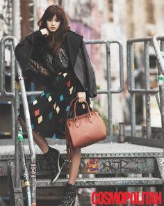 Kim Tae Hee Transforms into Funky Autumn Girl for Cosmopolitan Magazine - Soompi