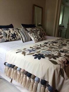 20 Color Embroidery Bed Wrap Cover and Pillow Models - Home Arragement Draps Design, Bed Wrap, Bed Cover Design, Designer Bed Sheets, Living Room Decor, Bedroom Decor, Home Decor Furniture, Bed Spreads, Bedding Sets