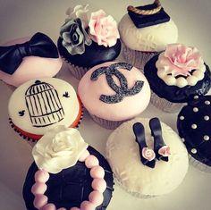 CHANEL CUPCAKES | Pasteles De Boda - Chanel Cupcakes Cookies Cake #2026690 - Weddbook