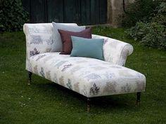 Caneapeau Sezlong este ideala pentru relaxare dar si pentru a oferi un aspect chic spatiului in care este amplasata!