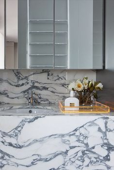 marble // David Hicks Bathroom