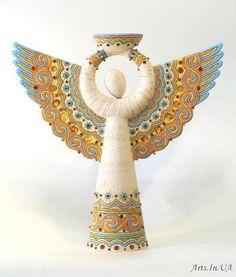 Céramique d'Alena Kozak, artiste ukrainienne née à Kiev en - 2010 Pottery Angels, Clay Angel, Angel Artwork, Ceramic Angels, Angel Crafts, Ukrainian Art, Paperclay, Clay Creations, Clay Art