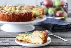 EPLEKAKE MED VANILJEKREM Banana Bread, Nom Nom, Cake Recipes, Cheese, Baking, Desserts, Food, Coffee, Tailgate Desserts