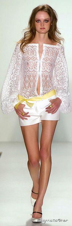 Joanna Mastroianni at New York Fashion Week Spring 2006