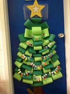 Un sapin pour Noël. 22 Idées très chouettes pour décorer la porte de la classe