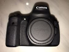 Canon EOS 60D 18MP Digital SLR camera DSLR w/ charger bag. Body Only!