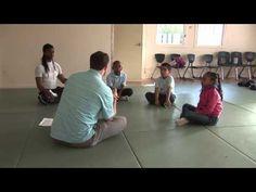 Comment aider un enfant à être présent à soi et aux autres?