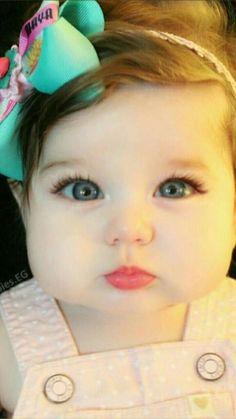 Queen of heart Shaz. Cute Little Baby, Pretty Baby, Cute Baby Girl, Little Babies, Baby Love, Baby Girl Pictures, Cute Baby Videos, Cute Baby Pictures, Precious Children