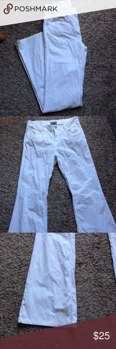 Banana Republic flare pants White corduroy stretchy pants. They have a light stain in the corner in the last pic. Banana Republic Pants Boot Cut & Flare