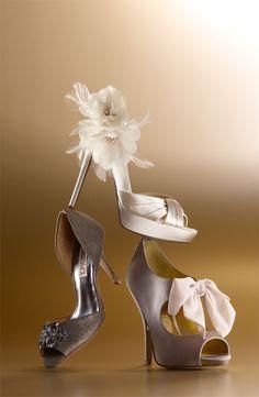 New unique bridal shoes flats designer heels ideas Bridal Shoes, Wedding Shoes, Dream Wedding, All About Shoes, Designer Heels, Me Too Shoes, Fancy Shoes, Bow Shoes, Beautiful Shoes