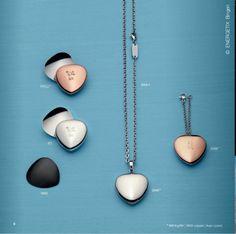 """❦ Wellnessorientiert – stark – unisex ❦ In der Kategorie """"Body Magnets"""", im Katalog ab Seite 6, finden Sie Wellness-Accessoires mit besonders starken Magneten, wie z.B. das MagnetHeart: Ein Magnet-Element, das sich mit Hilfe einer Metallplatte an jedem Kleidungsstück befestigen lässt. Blättern Sie virtuell im Katalog: http://doriskarpowitz.energetix.tv/shop/index/blaetterkatalog/main2013/"""