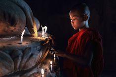 .... Buddha Zen, Buddha Buddhism, Buddhist Monk, Fire Snake, Om Mani Padme Hum, Buddha Statues, Spiritual Practices, Incredible India, Tibet