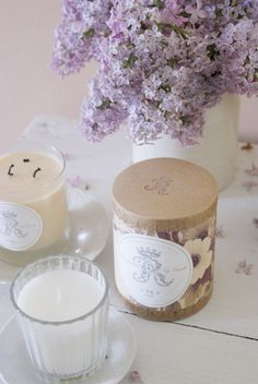 Pretty floral mess Shabby Home, Tea Lights, Candles, Simple, Floral, Pretty, Flowers, Blog, Beauty