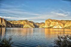 Canyon Lake at Sunset Apache Trail Arizona [2048x1365] [OC]