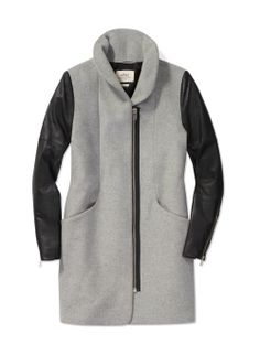 Wilfred Cocoon Wool Coat, now available at Aritzia.com. #woolcoat #coat #fashion