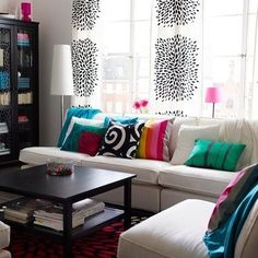 Fresh living room with bold contrasting colors.