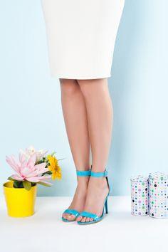 DNR Fashion Fix butik adı altında 1968 Turkuaz Rugan şık ayakkabı modelimiz.. Devamı için internet sayfamıza bekleriz.. www.denerihazirgiyim.com