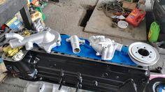 Polea y cubierta de bomba de agua y ducteria pintados