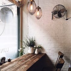 Rustic coffee shop decoration ideas 54 - Savvy Ways About Things Can Teach Us Rustic Coffee Shop, My Coffee Shop, Rustic Cafe, Coffee Shop Design, Coffee Cafe, Cafe Design, Coffee Shops, Interior Design, Bar Interior