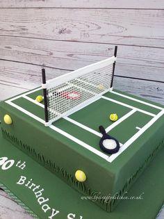 A Tennis Court themed cake. www.thecraftykitchen.co.uk #tenniscake