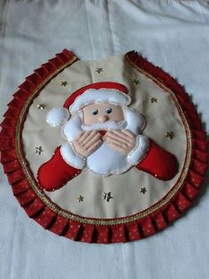 Jogo de banheiro de natal 1 Crafturi De Crăciun, Perne, Halloween, Coronițe De Crăciun, Fimo Unique Christmas Decorations, Christmas Crafts, Xmas, Holiday Decor, Country Crafts, Wool Felt, Tree Skirts, Projects To Try, Santa