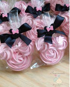 Cake Pops Mickey Mouse, Bolo Da Minnie Mouse, Mickey Cakes, Minnie Mouse Party, Fun Cupcakes, Wedding Cupcakes, Birthday Cupcakes, Meringue Cookie Recipe, Meringue Desserts