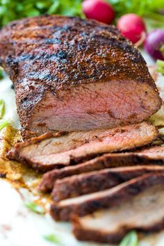 Santa Maria Style Tri-Tip - A quick and delicious recipe per.- Santa Maria Style Tri-Tip – A quick and delicious recipe perfect for barbecue season! A smoky, sweet and spicy spice rub makes this cut of beef more flavorful. Tri Tip Steak Recipes, Grilled Steak Recipes, Rub Recipes, Grilled Meat, Meat Recipes, Cooking Recipes, Recipe For Tri Tip Roast, Grilled Vegetables, Best Tri Tip Recipe
