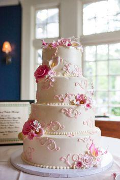 Wedding Cake ~ Caitlinn Mohar-Daniels Photography