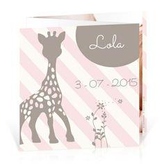 Faire-part naissance Sophie la girafe Vintage - Cardissime - Un triptyque aux couleurs vintage spécialement conçu pour que vous puissiez insérer la photo de votre bébé.