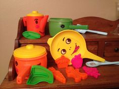 Vintage 1968 Toy Pots Pans Utensils and Food Plastic Set Made by Empire | eBay
