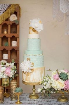 16 Gorgeous #Wedding Cakes We adore. To see more: http://www.modwedding.com/2013/10/24/16-gorgeous-wedding-cakes-we-adore/ #weddingcake
