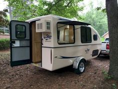 Brilliant 35 DIY Camper Van Ideas That You Could Make It Yourself For Summer Holiday 2018 decoredo.com/… Source