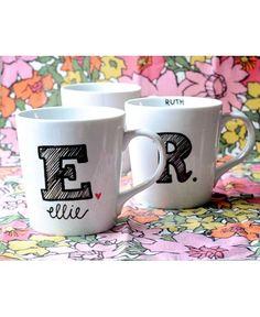 sharpie mug designs Sharpie Crafts, Diy Sharpie Mug, Sharpie Projects, Mug Crafts, Sharpie Doodles, Monogram Coffee Mug, Personalized Coffee Mugs, Monogram Cups, Diy Monogram