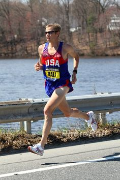 Ryan Hall- the perfect stride.  One of my favorite pro runners