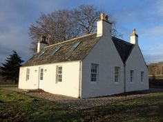 Balachladdich is a traditional country house, just twenty minutes from the City of Inverness. A holiday coattge overlooking the Cromarty Firth. Bedroom With Ensuite, One Bedroom, Real Fire, Gas Bbq, Open Fires, Inverness, Garden Furniture, Countryside