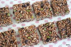 Puffed Quinoa Bars - recipe by Baking Makes Things Better Vegan Recipes, Snack Recipes, Cooking Recipes, Snacks, Free Recipes, Barre Energie, Puffed Quinoa, Quinoa Bars, Tasty