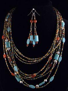 DIY-Schmuck: (www.perlenladen-o …) - DIY Schmuck Seed Bead Jewelry, Beaded Jewelry, Jewelry Necklaces, Seed Beads, Wire Bracelets, Fall Jewelry, Perler Beads, Artisan Jewelry, Handcrafted Jewelry