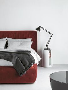 Double beds | Beds and bedroom furniture | Tuyo | Meridiani. Check it out on Architonic