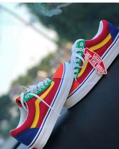 22 Vans Shoes To Wear Today - chaussure shoes Today vans Wear 606297168567334997 Look Patches, Sock Shoes, Shoe Boots, Heeled Boots, Dream Shoes, Shoe Closet, Custom Shoes, Vans Custom, Shoe Game