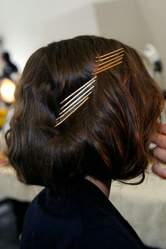 hair styles with colored bobby pins -