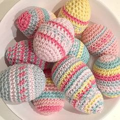 Free crochet Easter eggs pattern - create your own crochet Easter eggs with this fun, easy pattern by Ruby & Custard #CrochetEaster