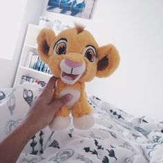 Simba lion king plush -want Disney Plush, Disney Toys, Disney Pixar, Disney Stuffed Animals, Cute Stuffed Animals, Peluche Lion, Tumblr Quality, Le Roi Lion, Disney Girls
