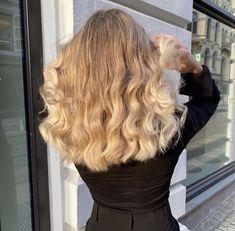 Blonde Curly Hair, Haircuts For Curly Hair, Hairstyles Haircuts, Pretty Hairstyles, Curly Hair Styles, New Hair Do, Long Hair Cuts, Gorgeous Hair, Beautiful