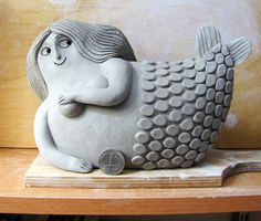 My new mermaid design. I really like this one, Im thinking about expending it into a mini-line. Ceramics etsy store coming very soon. Fat Mermaid, Mermaid Art, Sculptures Céramiques, Sculpture Art, Ceramic Clay, Ceramic Pottery, Mermaids And Mermen, Pottery Classes, Paperclay